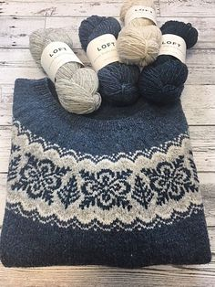 Ravelry 476818679295994390 - Ravelry: Project Gallery for Silver Forest pattern by Jennifer Steingass Source by emmanuelise Fair Isle Knitting Patterns, Sweater Knitting Patterns, Knitting Socks, Knitting Stitches, Knit Patterns, Free Knitting, Vintage Knitting, Stitch Patterns, Motif Fair Isle
