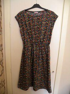 anda simple summer dress. free pattern.