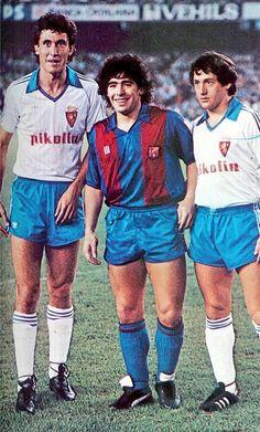 Football Is Life, Retro Football, Football Soccer, Real Zaragoza, Diego Armando, Just A Game, Fc Barcelona, Real Madrid, Sportswear