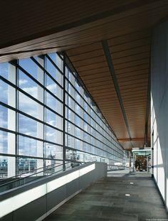 Estacion-Ferrocarril-Basilea_Design-interior-entrada-rampa_Cruz-y-Ortiz-Arquitectos_DMA_63-X–