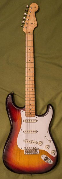 1 owner, 100% original, Excellent condition 1958 Stratocaster. Guitar has wear but no major dents or huge chips.Weight 7.7lbsPots 23rd week '57Body date 3-58Neck date 4-58Case is in good shape, all latches and hinges are fully functional and not broken.Owner papers, Key for case, Polish cloth all there. Bridge cover and original trem arm in good shape.Any more questions, please ask.