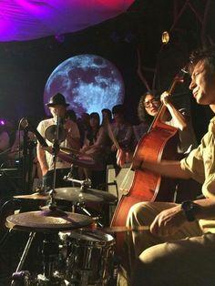F.I.B JOURNAL × Schroeder-Headz、月見ル。一曲ずつの交互演奏が、解け合って、重なって、演奏しながら、だんだん一つのバンドみたいになっていくところが、たまらなく最高だった。 Journal, Concert, Twitter, Concerts
