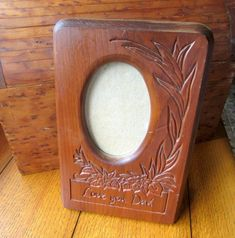 I Love You Dad Vintage Wood Carved Picture Frame 3 x 5 Oval Faux Wood Wall, Painting On Pallet Wood, Halloween Wood Signs, Diy Wood Bench, Vintage Photo Frames, Pallet Ideas Easy, Pallet Wedding, Wood Bedroom Furniture, Love You Dad