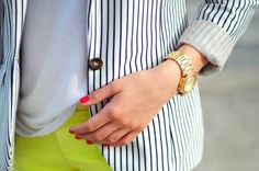 ::stripes + neon yellow + red nails = perfect!::