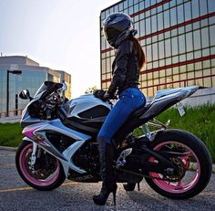 Biker Girl on Suzuki GSXR