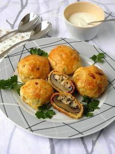 Töltött gomba leveles tésztában Portobello, Baked Potato, Bacon, Clean Eating, Muffin, Paleo, Food And Drink, Chicken, Vegetables