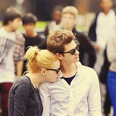emma stone & andrew garfield - soo cute together it kills me Pretty People, Beautiful People, Emma Stone Andrew Garfield, Dc Comics, Cutest Couple Ever, Marvel, Famous Couples, Amazing Spiderman, Perfect Couple