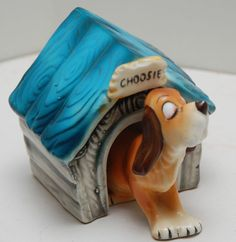 VINTAGE RARE CHOOSIE DOG AND DOGHOUSE SALT & PEPPER SHAKERS
