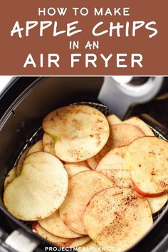 Recipes Snacks Sweet Apple chips are a delicious healthy snack that can be made right at home in your air fryer! They're simple to make, perfect for kids and adults, and have no added sugar. Here's How to Make Apple Chips in an Air Fryer! Air Fryer Oven Recipes, Air Frier Recipes, Air Fryer Dinner Recipes, Air Fryer Recipes Vegetables, Air Fryer Rotisserie Recipes, Air Fryer Recipes Potatoes, Air Fryer Recipes Breakfast, Yummy Healthy Snacks, Healthy Recipes