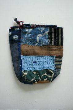 patchwork bag via batixa Shibori, Ethnic Bag, Rice Bags, Japanese Textiles, Boho Bags, Denim Bag, Fabric Bags, Small Bags, Handmade Bags