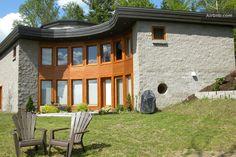 Modern country house in Lanaudière in Saint-Jean-de-Matha, QC