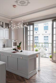 French Apartment, Design Apartment, Apartment Projects, Apartment Kitchen, Paris Apartment Interiors, Modern French Kitchen, Parisian Kitchen, Dream Home Design, Home Interior Design