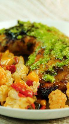 Con una salsa de jalapeño que te va a derretir la boca Crockpot Recipes For Two, Paleo Chicken Recipes, Cooking Recipes, Healthy Recipes, Tasty Videos, Food Videos, Asparagus Recipe, Morning Food, Food Inspiration