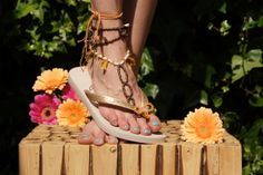 Slipperbay handmade toe thongs. Graceful charming and hot seductive for a long lasting hot summer.