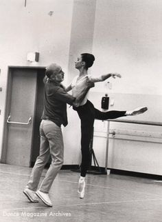 Jerome Robbins with Kay Mazzo rehearsing Robbins Dances at a Gathering. Photo by Martha Swope, DM Archives.