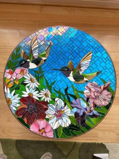 Californian Garden - Delphi Artist Gallery Delphi Glass, Glass Garden Art, Artist Gallery, Mandala Pattern, Head And Neck, Mosaics, Iridescent, Stained Glass, Art Projects