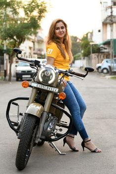 63 ideas cars wallpaper girl for 2019 Enfield Bike, Enfield Motorcycle, Girl Riding Motorcycle, Biker Girl, Biker Photography, Girl Photography Poses, Bullet Modified, Motorcycles In India, Sportster Cafe Racer