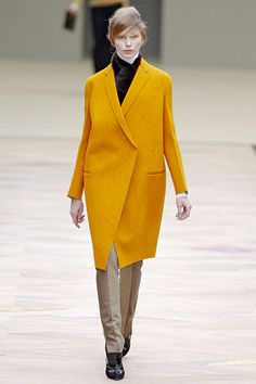 Photos of the runway show or presentation for Celine Fall 2011 RTW Shows in Paris. Fashion Models, High Fashion, Womens Fashion, Fashion Trends, Fashion Inspiration, Celine, Yellow Trench Coat, Monochrome Fashion, Fashion Details