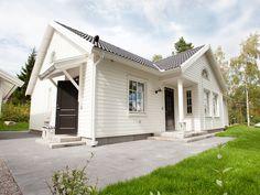 Båstad - Myresjohus.se Helsingborg, New England, Garage Doors, New Homes, Outdoor Decor, Home Decor, Houses, Porn, Facades