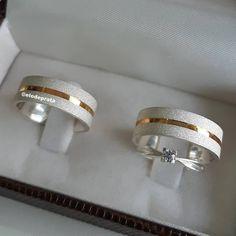 Môzinho você é meu amor minha vida e meu tudo  Tô romântica hoje  Juro que não é indireta . .  Aliança Versailles  Anel solitário de Brinde . Venha falar com nossa equipe  Whats  (12)99236-3091 (Respondemos muitas mensagens diariamente então o atendimento pelo Whats pode demorar um pouquinho ) Nosso site está na Bio  . . #amor #sp #brasil #brumar #casal #casais #love #namoro #casamento #noivado #prata #dourado #brilho #alianças