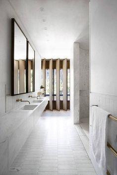 nice Sculptural facade directs daylight into Smart Design Studio& house. Minimal Bathroom, Modern Bathroom, Brass Bathroom, Small Bathroom, Budget Bathroom, Bathroom Fixtures, Vanity Bathroom, Bathroom Ideas, Bathroom Designs
