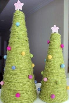 DetalleLogia: Arboles de Navidad - DIY con telas, cojines, botones, perchas...