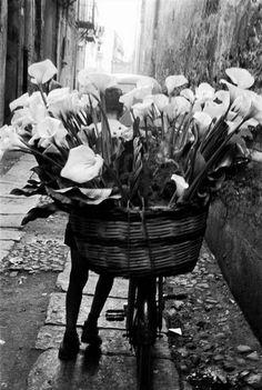 Sicily, 1961. Photo by Bruce Davidson / Magnum photos