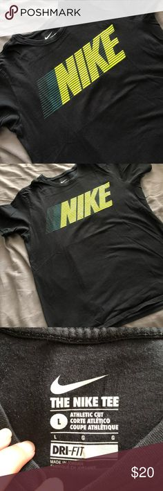 NIKE Dri-Fit T-shirt Worn a couple times. Perfect like new condition. Men's size L Nike Shirts Tees - Short Sleeve