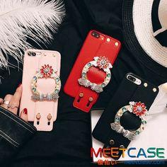 ミュウミュウハンドバッグをモチーフして作れてたMIU MIU アイフォンX/8ケース、可愛らしいです