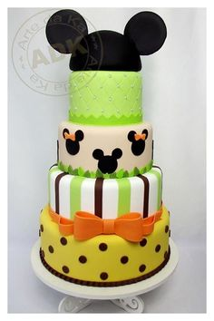 Mickey Mouse Torte, Mickey And Minnie Cake, Bolo Mickey, Mickey Cakes, Fancy Cakes, Cute Cakes, Movie Cakes, Friends Cake, Character Cakes