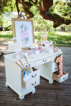 Event planner Megan Martin organizes a first birthday party for her daughter with all of her favorite things, including gorgeous florals by Shea Hopely. First Birthday Parties, Birthday Party Themes, First Birthdays, Themed Parties, Birthday Ideas, Music Party, Vintage Party, Fancy Party, Spa Party