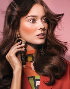 In the March 2017 issue of Vogue Taiwan, leading model Jac Jagaciak has serious flower power. The Polish beauty poses for Zoey Grossman in 70's inspired beauty looks