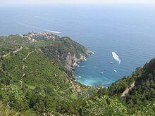 Cinque Terre, panorama di Corniglia e la spiaggia di Guvano, visto da San Bernardino - Wikipedia