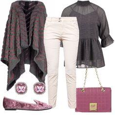 Outfit raffinato, composto dal pantalone cinque tasche in velluto a costine avorio, abbinato alla camicetta grigia con la manica a tre quarti e la mantella in misto lana grigia e rosa. Completano il look, il mocassino con un effetto vellutato, la borsa a tracolla e gli eleganti orecchini, tutto rosa.