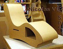 Sofa en carton fabriquée en stage de cartonniste