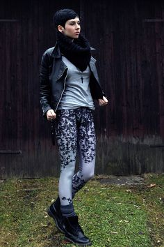 Lovely Sally Leggings, Vintage Leatherjacket, Dr. Martens Boots - I am a free bird. - Nora Lovely | LOOKBOOK