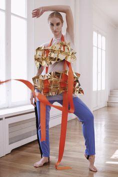 www.instagram.com/jorgeayalaparis Mac Cosmetics, Jumpsuit, Model, How To Make, Instagram, Dresses, Fashion, Overalls, Vestidos
