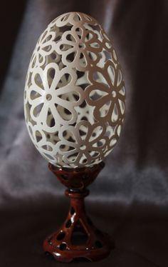 Carved Eggs, Egg Crafts, Egg Art, All Craft, Design Crafts, Easter Eggs, Carving, Fancy, Deco
