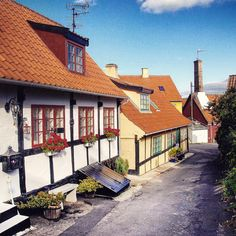 Lovely old houses in the little streets og Gudhjem, Bornholm. #gudhjem #bornholm…