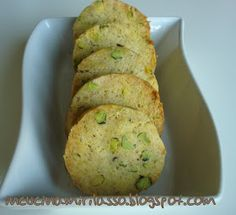 In cucina mi rilasso: Frollini salati ai pistacchi, alle olive e al sesamo