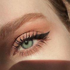 ___________________ mascara haute & naughty glitter diamond dew rose goals gel eyeliner - Make-up Beautiful Eye Makeup, Cute Makeup, Pretty Makeup, Beautiful Eyes, Simple Makeup, Prom Makeup, Casual Eye Makeup, Awesome Makeup, Pretty Eyes