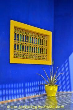 Detail of The Majorelle Garden, a 12 acre botanical garden & artist's landscape garden in Marrakech, Morocco. An archaeological museum, it contains the Islamic Art Museum of Marrakech. Cobalt Blue, Blue Yellow, Blue And White, Colour Yellow, Colour Schemes, Color Combos, Pintura Exterior, Moroccan Design, Deco Design