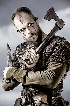 ~J  Floki...is just so Evil and slimmy...I wish Ragnor would kill him off the Viking show !!!