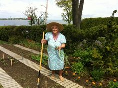 mother of chef lidia bastianich in their ny vegetable garden. Lidia Bastianich, Vegetable Garden, Natural Remedies, Gardening, Opera, Pots, Walking, Medical, Actors