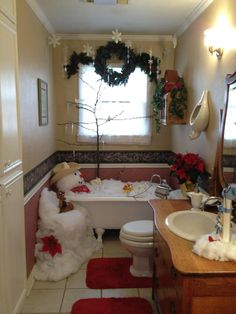 fun decorating a guest bathroom for Christmas.I am guessing no one will be using the tub! Christmas Bathroom Sets, Christmas Shower Curtains, Christmas Bedroom, Christmas Home, Christmas Holidays, Christmas Design, Merry Christmas, Christmas Ornaments, Christmas Decorations Clearance
