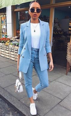 34 Women's White Sneakers Outfit Ideas for Spring Blazer Outfits Casual, Business Casual Outfits, Professional Outfits, Cute Casual Outfits, Blazer Outfits For Women, Stylish Work Outfits, Young Professional, Woman Outfits, Sporty Outfits