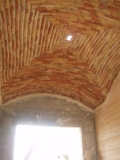 brick dome construction / rammed earth