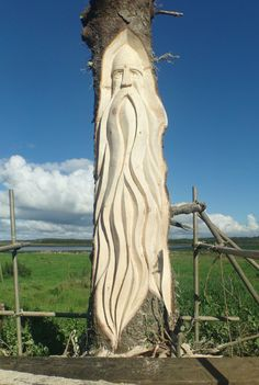 This page has sculptures from Fear na Coillte Chainsaw Sculptures by Will Fogarty and Wired to the Moon Unique Wire Sculptures by Tonya Clifford. Chainsaw Wood Carving, Wood Carving Faces, Tree Carving, Wood Carving Art, Driftwood Sculpture, Tree Sculpture, Metal Sculptures, Abstract Sculpture, Bronze Sculpture