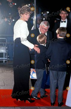Princess Diana with Prince William and Prince Harry Hook Premiere Photo:steve Finn-alpha-Globe Photos Inc Princessdianaretro