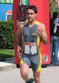 Men In Tight Shorts, Mens Leotard, Men's Triathlon, Lycra Men, Radler, Sport Tights, Athletic Men, Sport Man, Cycling Outfit